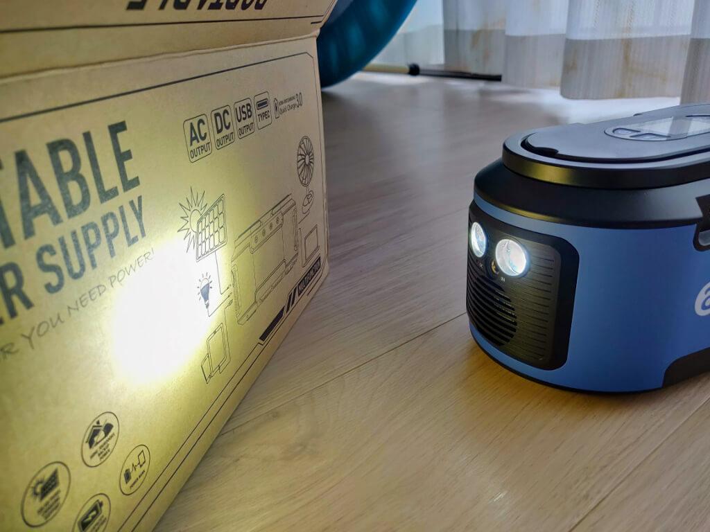 Alfawiseのポータブルバッテリー 懐中電灯機能