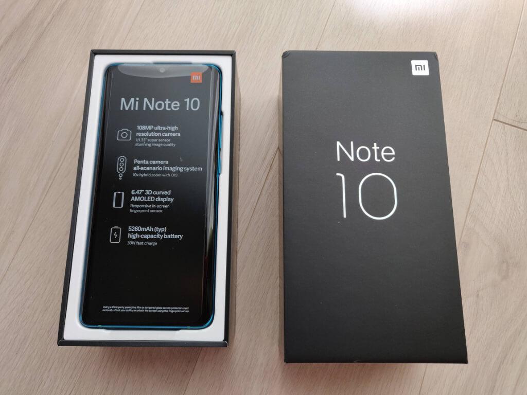 Xiaomi Mi Note 10の外箱を開けたところ