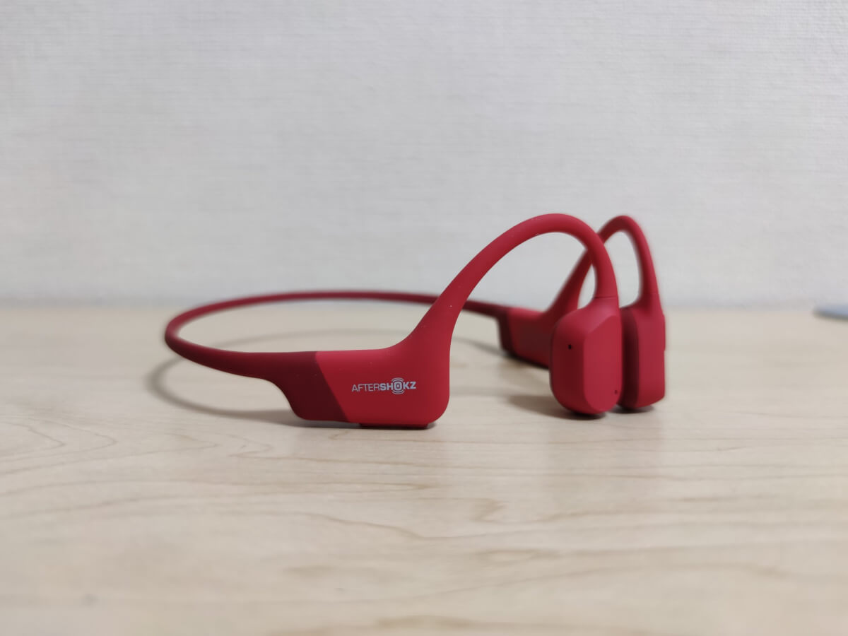 AfterShokz Aeropex右側の写真
