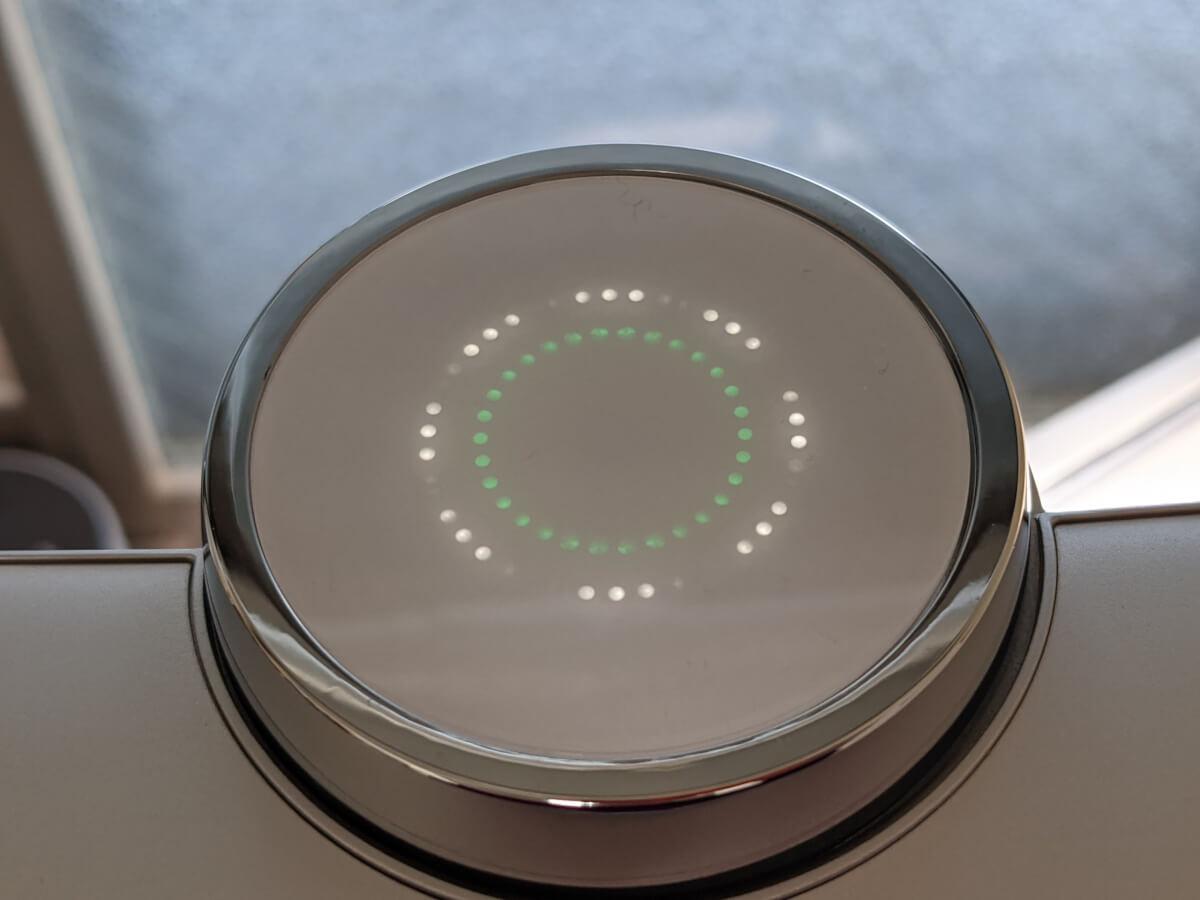 BenQ WiT MindDuo ライト上部のインジケータ(緑)